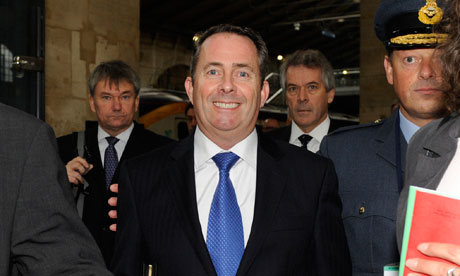 Liam-Fox-arrives-at-the-P-008
