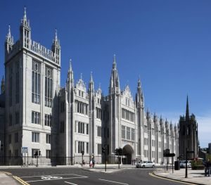 croppedimage650570-marischal-college-hero-shot