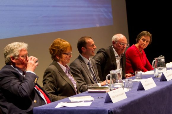 SMac_Courier_Hustings_Byre_StAndrews17053128.jpg-768x512